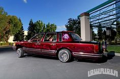 1994 Lincoln Town Car Side