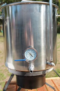 Boil Kettle - DIY kettle for your all-grain brewing Beer Brewing Kits, Brewing Recipes, Home Brewery, Beer Brewery, All Grain Brewing, Brew Your Own Beer, Home Brewing Equipment, Beer Packaging, Wine Making