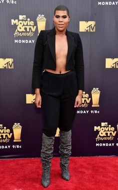 Tv Awards, Androgynous, Absolutely Gorgeous, Mtv, Nice Dresses, Stars, Face, Party Crop Tops, Outfits