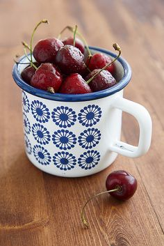 fresh cherries - great source of dietary fiber & vitamin C.