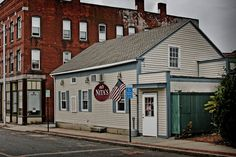 Nita's Restaurant offers excellent food and exceptional service with mouth watering breakfast and lunch menus. Located 28 North St, Willimantic, CT, 06226.
