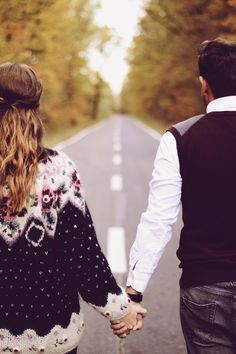 Autumn couple, endless road, photo session.
