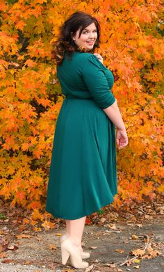 Such a cute pic here.  @Hems for Her really shows off her curves in this dress.  #Kiyonna #KiyonnaPlusYou #PlusSize