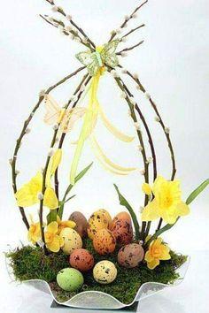Easter decoration - Decoration Crafts for Easter - Easter arrangement, Easter Bunny and Easter eggs Easter Flower Arrangements, Easter Flowers, Easter Centerpiece, Diy Centerpieces, Floral Arrangement, Diy Flowers, Deco Floral, Arte Floral, Easter Parade