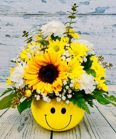 Fall Arrangements, Beautiful Flower Arrangements, Beautiful Flowers, Tropical Flowers, Fresh Flowers, New Baby Flowers, Sunflowers And Daisies, Hospital Gifts, Face Planters