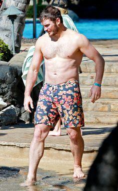 Seeing Chris Pratt Shirtless and Anna Faris in a Bikini Will Leave Everyone Impressed Chris Pine, Chris Evans, Chris Hemsworth, Chris Pratt Body, Chris Pratt Shirtless, Hottest Male Celebrities, Celebs, Chris Pratt Anna Faris, Hot Actors