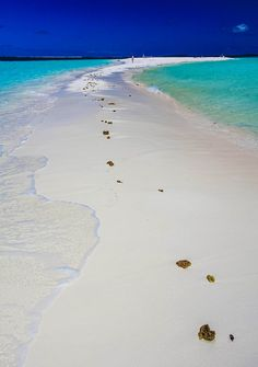 Ile des Pins New Caledonia by hacenem Places To Travel, Places To See, Travel Around The World, Around The Worlds, Romantic Vacations, Island Beach, Ocean Beach, Beautiful Beaches, Wonders Of The World