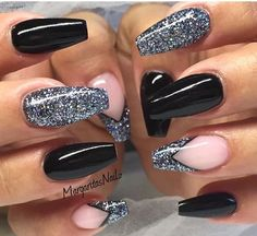 Black Coffin Nails by MargaritasNailz from Nail Art Gallery nageldesign schwarz Cute Acrylic Nails, Acrylic Nail Designs, Glitter Nails, Cute Nails, Nail Art Designs, Glitter Uggs, New Years Nail Designs, Black Nails With Glitter, Glitter Eyeliner