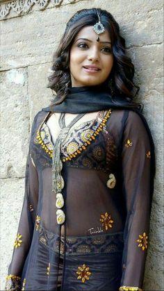Samantha Ruth Prabhu new Telugu Movie Still Pic . Beautiful Blonde Girl, Beautiful Girl Indian, Most Beautiful Indian Actress, Beautiful Saree, South Indian Actress Hot, Indian Actress Hot Pics, Indian Actresses, Hot Actresses, Beauty Full Girl