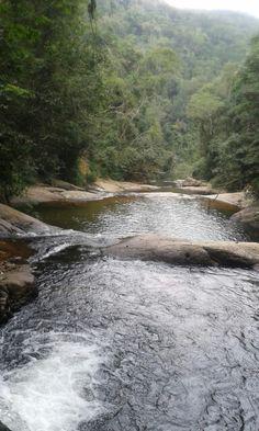 Dia de curtir uma cachoeira e essa e a Cachoeira do Mendanha em Campo Grande -RJ. 29/07/2015 ☺