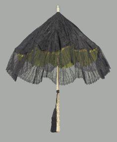 Folding Black Lace Parasol - Probably European c. Steampunk Accessories, Vintage Accessories, Lace Parasol, Vintage Cigarette Case, Vintage Umbrella, Umbrellas Parasols, Lace Outfit, Vintage Purses, Bobbin Lace
