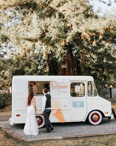 Summer wedding season is heating up and many 2021 couples are skipping the wedding cake all together and looking for a delicious dessert that will beat the summer heat. See more rustic wedding inspiration at rusticweddingchic.com | Photo: CKC Image Wedding Desserts, Summer Desserts, Fun Desserts, Dessert Ideas, Wedding Cake, Wedding Tips, Summer Wedding, Campfire Fun, Wedding Invitations Online