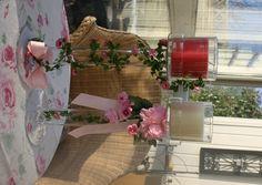Wreaths, Table Decorations, Creative, Furniture, Home Decor, Deko, Door Wreaths, Deco Mesh Wreaths, Interior Design