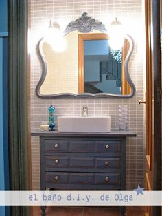 El baño d.i.y de Olga (o de cómodas antiguas para el baño) · Olga's d.i.y bathroom (and using old chest-of-drawers)