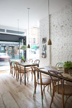 Hally's Parsons Green- white washes walls & an open front