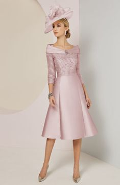 Veni Infantino 991424 Mother of Bride Outfit - Colour Vintage Rose - Price Buy online today with next day delivery - money-back guarantee. Mother Of Groom Outfits, Mother Of The Bride Fashion, Wedding Outfits For Groom, Dresses To Wear To A Wedding, Elegant Dresses, Beautiful Dresses, Social Dresses, Floaty Dress, Luxury Wedding Dress