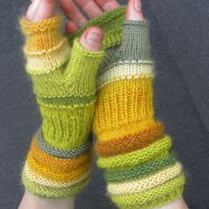 Knit Fingerless Gloves Green-yellow from melons treasures Christmas gift Hand Knit Striped gloves with upcycled wool and kid mohair Loom Knitting Patterns, Knitting Stitches, Free Knitting, Knitting Projects, Crochet Projects, Knitting Tutorials, Hat Patterns, Stitch Patterns, Fingerless Gloves Knitted