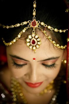 """Photo from album """"Wedding photography"""" posted by photographer Bharat Lalwani Photography - Tales of Wedding Photography Couples, Indian Wedding Photography, Lehenga Wedding, Lehenga Saree, Wedding Preparation, Mehendi, Real Weddings, Jewelery, Jewelry Design"""