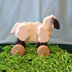 Large Wooden Rolling Sheep with Optional Pull Leash for Toddlers and Kids Each And Everyone, Collar And Leash, Hobbies And Crafts, Grande, Sheep, Lamb, Toddlers, Rolls, The Originals