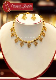 Dubai Gold Jewelry, Gold Jewellery, Gold Fashion, Fashion Jewelry, Or Mat, Gold Designs, Necklace Designs, Jewelry Design, Gold Necklace