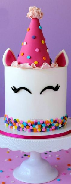 How to make a party unicorn cake tutorial by cute and easy unicorn cake topper! How To Make A Unicorn Cake, Diy Unicorn Cake, Unicorn Cake Pops, Unicorn Cake Decorations, Unicorn Party, Birthday Cake Fondant, Birthday Cake Girls, Fondant Cakes, 4th Birthday