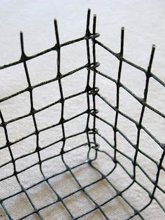 four corners design: Wonderfully wired--DIY wire baskets