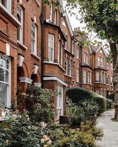 London House, London City, Green Eyes Coldplay, English Adventure, Hampstead London, London Dreams, London Free, British Countryside, London Restaurants