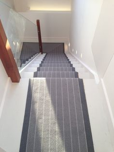 Stair runner from Roger Oates. Interior design by My-Studio Ltd Victorian Terrace Hallway, Victorian Stairs, Flooring For Stairs, Concrete Stairs, Modern Stair Railing, Staircase Design, Stair Treads, Hallway Carpet Runners, Carpet Stairs