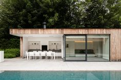wielsbeke-PL - Projects - dejaeger interieurarchitecten Pool House Designs, Backyard Patio Designs, Backyard Pools, Pool Decks, Pool Landscaping, Modern Pool House, Contemporary Garden Rooms, Moderne Pools, Pool Landscape Design