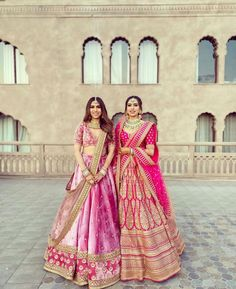Check out trending wedding dresses ideas for the sister of the bride. Bridesmaid outfit ideas and bridesmaid dresses inspirations at ShaadiWish. Indian Bridal Outfits, Indian Bridal Lehenga, Indian Designer Outfits, Indian Dresses, Indian Clothes, Sabyasachi Lehenga Bridal, Pink Bridal Lehenga, Ethnic Clothes, Ethnic Outfits