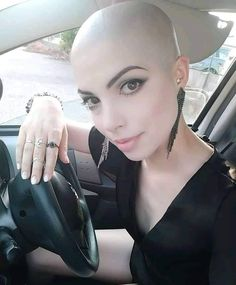 Best Garden Decorations Tips and Tricks You Need to Know - Modern Bald Head Women, Shaved Head Women, Shaved Head Girl, Short Hair Cuts, Short Hair Styles, Shaved Head Designs, Style Audacieux, Eyeshadow Designs, Crop Haircut