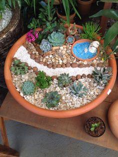 40 Magical Fairy Garden Idea Just for You Succulent Gardening, Garden Terrarium, Succulent Pots, Planting Succulents, Planting Flowers, Container Gardening, Mini Fairy Garden, Fairy Garden Houses, Dish Garden