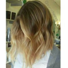 Brown to blonde ombre on a long bob // super texturized // beach waves // obsessed with her hair so pretty // instagram