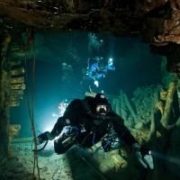 A group of cave divers at Tuna Hastberg Iron Mines in Sweden take on the adventure of a lifetime as they explore miles of underwater tunnels...