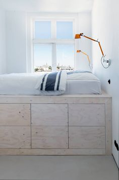 Bedroom: design, ideas, inspiration and photos homify, bedroom with loft bed: minimalistic Bedroom by Irony interior design. Minimalist Bedroom Small, Bunk Beds Built In, Bedroom Loft, Design Bedroom, Studio Apartment Decorating, Small Loft, Hygge Home, Tiny Spaces, Dream Home Design
