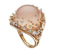 Rose quartz ring by Fernando Jorge