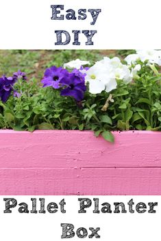 This DIY Pallet Planter Box does not take much time to create and is an easy project to make! Plus since they also would make perfect gifts as well!  #GardensNotLandfills ad