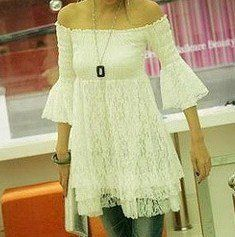 wear a hippie peasant tunic top with white pants for a beach or casual boho wedding outfit Hippie Style, Hippie Chic, Boho Style, Gypsy Chic, Boho Chic, Boho Fashion, Autumn Fashion, Lace Tunic, Boho Wedding