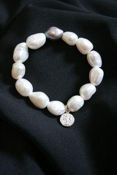 Pulsera de perlas de rio