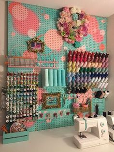 40 Art Room And Craft Room Organization Decor Ideas - artmyideas Pegboard sewing set up Stephanie's Sewing Set-up, Pegboard to the rescue!Love the Peg board! Maybe paint a pegboard? Pegboard instead of shelves in the middle? A pegboard is brightly painted Sewing Room Design, Craft Room Design, Sewing Spaces, My Sewing Room, Sewing Studio, Sewing Rooms, Craft Room Decor, Wall Decor, Sewing Room Decor