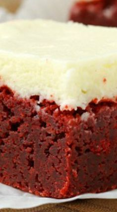 Outrageous Red Velvet Brownies ~ A classic cake is made into rich, dense and delicous brownies. Smother them in cream cheese frosting and theyre dessert perfection. Cake Bars, Dessert Bars, Red Velvet Desserts, Red Velvet Brownies, Red Velvet Recipes, Red Velvet Cakes, Red Velvet Trifle, Red Velvet Wedding Cake, Cake