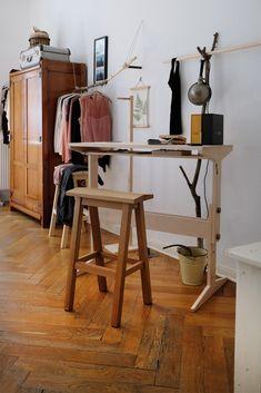 Zu Besuch bei Designerin Frau Caze in Berlin Neukölln - AnneLiWest Berlin Berlin, Designer, Desk, Inspiration, Furniture, Home Decor, Old Mansions, Nice Designs, Homes