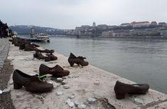 In memoria victimelor impuscate la Dunare de catre militienii Partidului Crucilor cu Sageti in 1944-1945. Ridicat 16 aprilie 2005