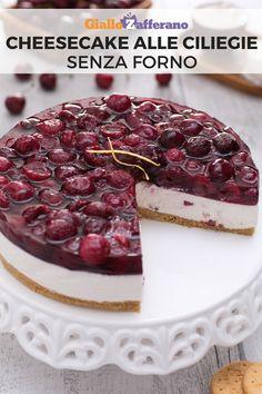 La cheesecake alle albicocche è un dolce fresco che si prepara senza bisogno del forno: tante belle ciliegie impreziosiscono una crema di ricotta e formaggio fresco spalmabile, su una base di biscotto croccante. #cheesecake #ciliegie #cherry #cherrycheesecake #dolci  #dessert #giallozafferano [Easy cherry cheesecake recipe]