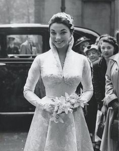 But on the 24th of May 1952, at the oh so tender ago if 19, Joan Collins (who for me will always be Alexis Carrington) married Maxwell Reed looking absolutely stunning in high neck long sleeved bolero atop a bodiced gown that emphasised her tiny waist to perfection