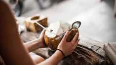 8 Science-Based Health Benefits of Coconut Water Evidence based Coconut Water Brands, Pure Coconut Water, Coconut Water Benefits, Benefits Of Drinking Water, Coconut Milk, Troubles Digestifs, Weight Loss Water, Prenatal Vitamins