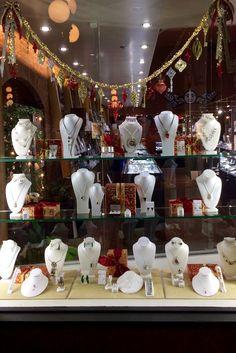 Artina's Victoria Christmas 2016 artinas.com PropaganZa Visual Display & Design Visual Display, Display Design, Christmas Window Display, Christmas 2016, Victoria, Table Decorations, Home Decor, Homemade Home Decor, Decoration Home