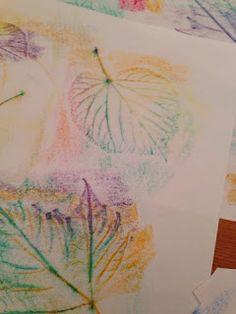 Herbstblätter Deko ganz leicht mit Kindern gemacht: Blätter sammeln unter ein Papier legen und mir Wachsblöcken darüber reiben! Wenn man mag kann man die dann ausschneiden und zum Dekorieren aufhängen öde auslegen.