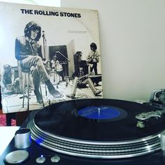 400 of these albums were pressed and distributed 399 float around this crazy world while the 400th spins at 33 1/3 on my turntable. Thanks dad for letting your collection begat my own. .  #alwaysmusic #vinyladdict #cratedigging #vinylrecords #therollingstones #rollingstones #recordcollection #lp @geekingonmusic @cratedigger @heightfiveseven by somuchdenim