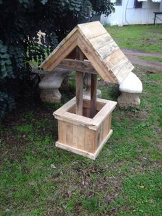 Wishing Well Planter Made from recycled/reclaimed materials